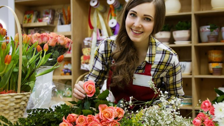A Guy's Guide to Buying a Woman Flowers