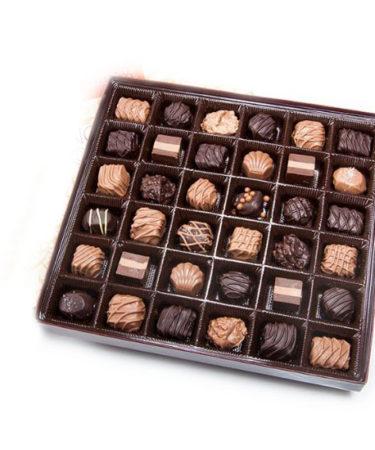 chocolates-Flower-Arangement-Delivery-Las-Vegas-Henderson-NV